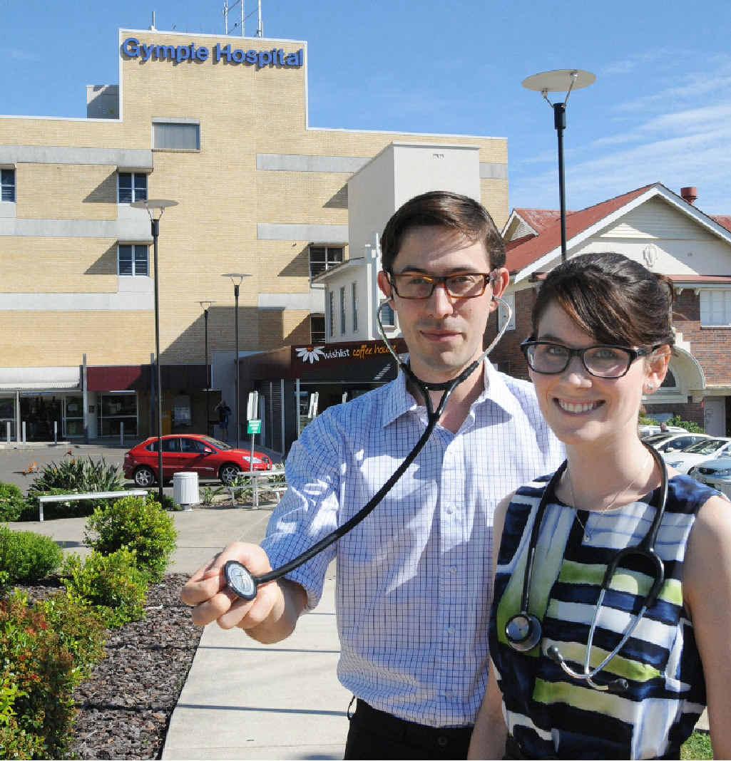Third-year medical students Edward Stephan and Isabel Watt.