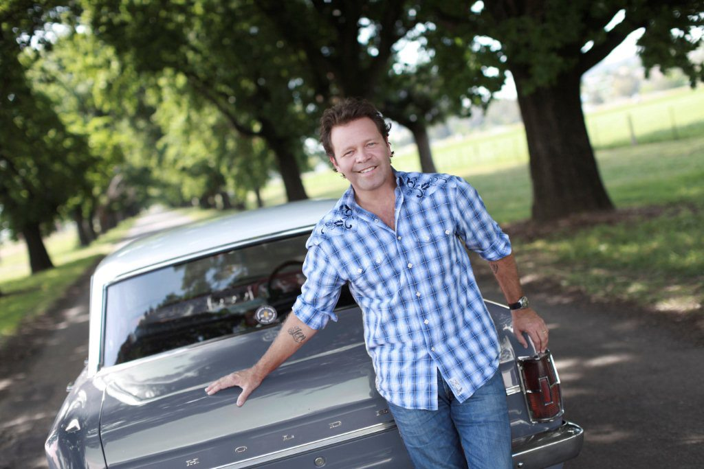 Troy Cassar-Daley has reached the top of the ARIA album chart with great mate Adam Harvey and their Great Country Songbook collection.