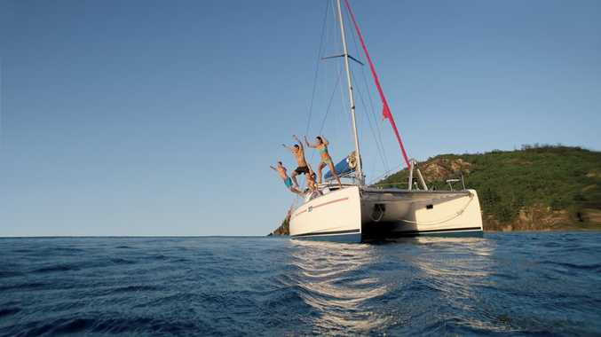 Enjoy a sailing adventure with friends in the Whitsundays.
