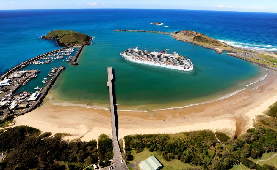 A super-imposed image of a cruise ship moored inside Coffs Harbour Jetty. Image: Trevor Veale / The Coffs Coast Advocate