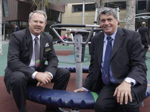 Councillor Greg Chippendale and Mayor Allan Sutherland.