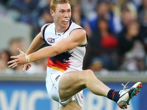 Lynch proves to Crows coach he can boot with the big boys