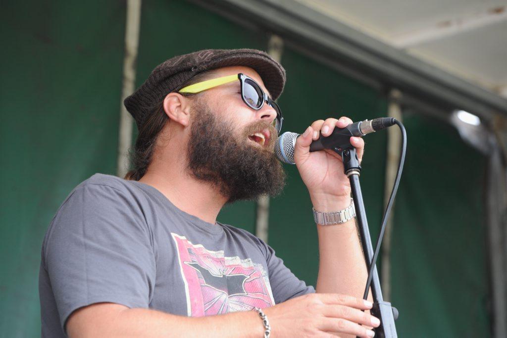 Dogwood Crossing lead singer Tim Earle .