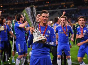 Ivanovic helps Chelsea steal Europa League win from Benfica