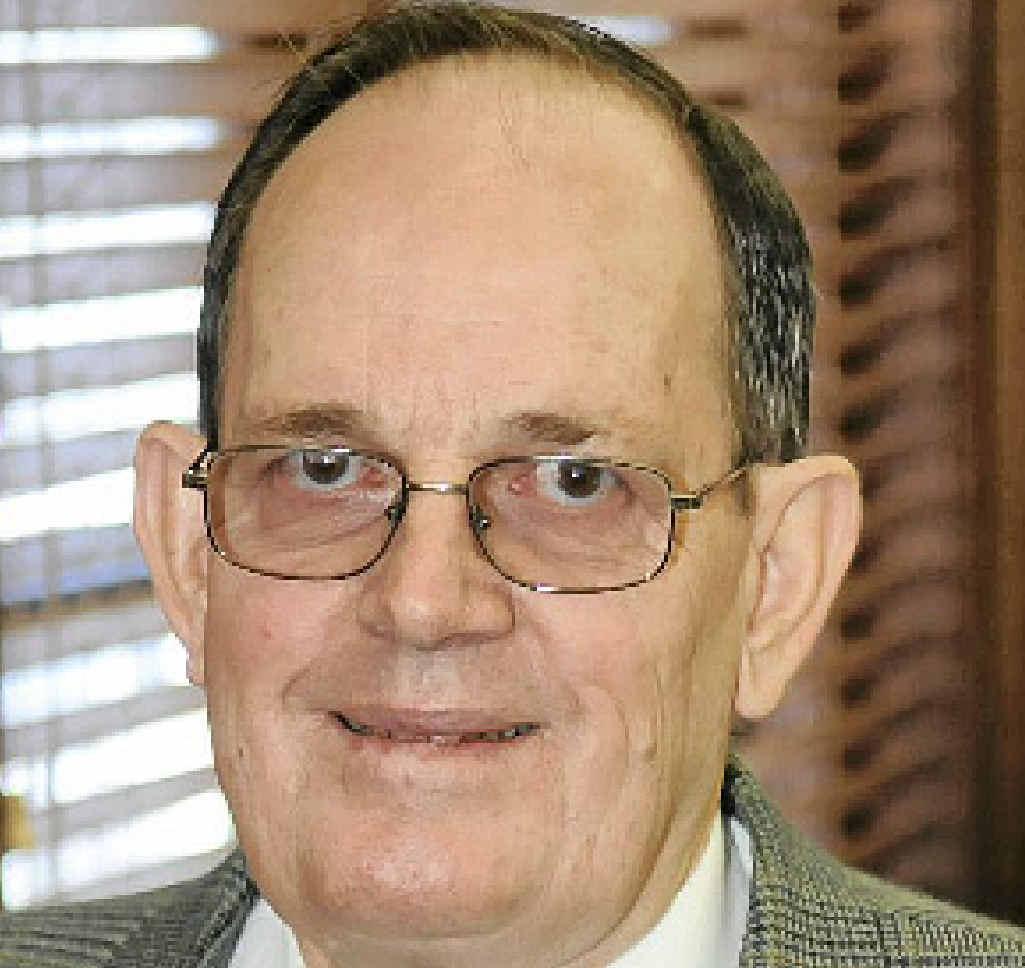Cr Ian Petersen.