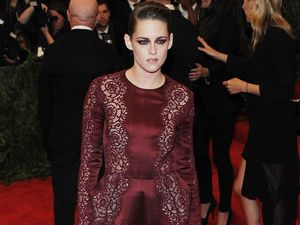 Kristen leaning on friends after split from Robert Pattinson