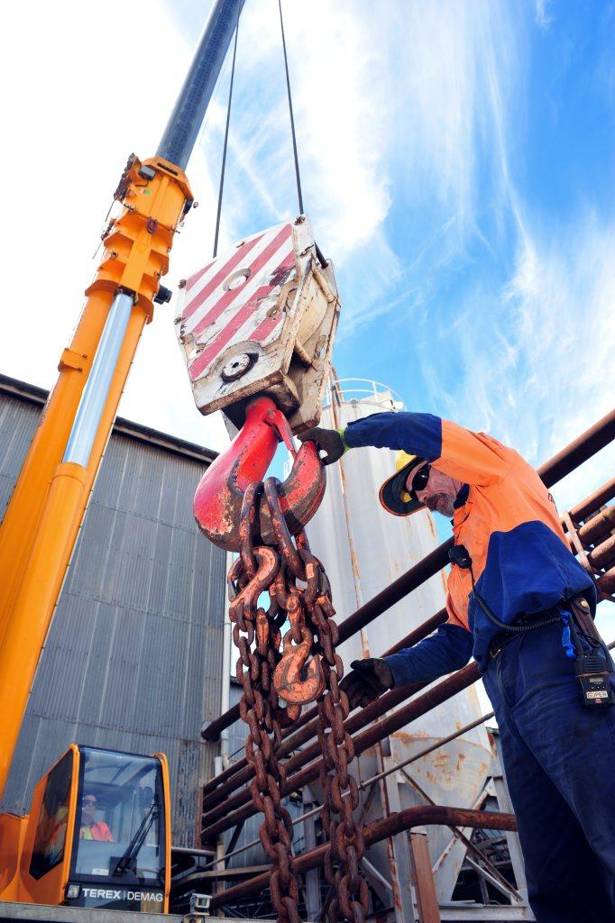 BINGERA MILL: Stewart & Sons Steel rigger Mark Sheehan at Bingera Mill. Photo: Max Fleet / NewsMail