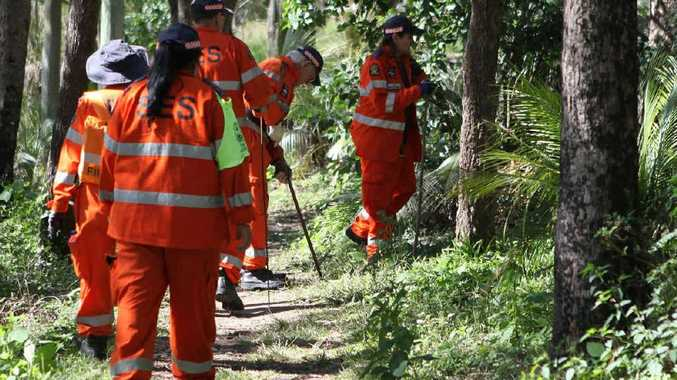 SES volunteers searching Mt Archer in relation to the disappearence of Chantal Barnett and Robert Martinez