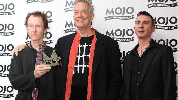 Ray Manzarek (centre) with Mark Almond (right) and Robby Krieger (left).
