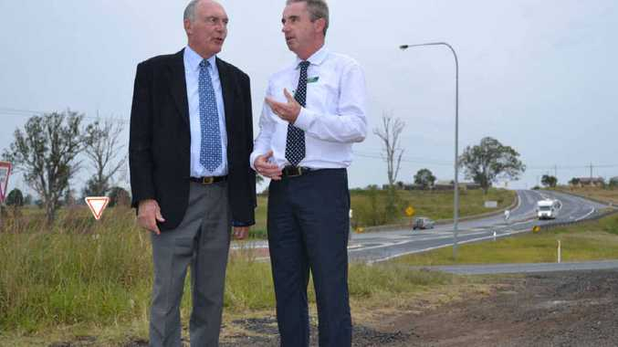 CAMPAIGN TRAIL: National Party Leader Warren Truss with Page Nationals candidate Kevin Hogan in Grafton yesterday.