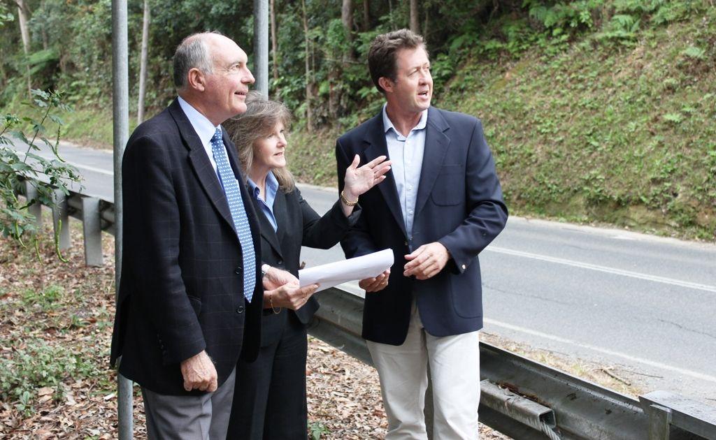 Nationals leader Warren Truss, Nambucca Shire Council mayor Rhonda Hoban and Cowper MP Luke Hartsuyker inspect the Riverside Dr road issues at Nambucca Heads.