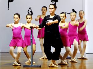 Queensland's best give young Hervey Bay dancers a lesson