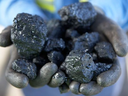Approvals for new coal mines must carefully assess their impact on groundwater, a hydrogeologist says.