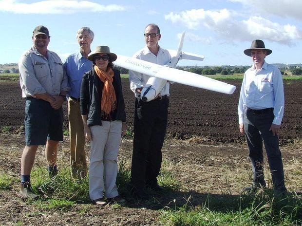 AIMING HIGH: Rob Hinrichsen, Dr Don Yule, Sharon Murakami, Senator Joe Ludwig and Alan Fetherstonhaugh.