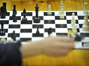 Tenant 'tried to eat landlord's heart after chess row'