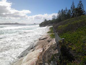 Coastal protection works at Belongil Beach
