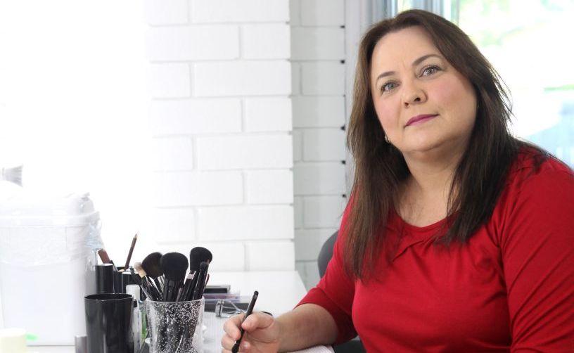 Makeup artist Kathleen Prideaux. Photo Allan Reinikka / The Morning Bulletin