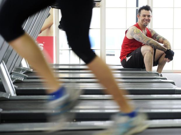 Warren Jones lost more than 20kg by doing cardio exercise when he was diagnosed with diabetes. Warren has taken up a challenge to build and maintain muscle mass while still losing weight.