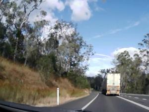 Car camera catches truck drivers' behaviour