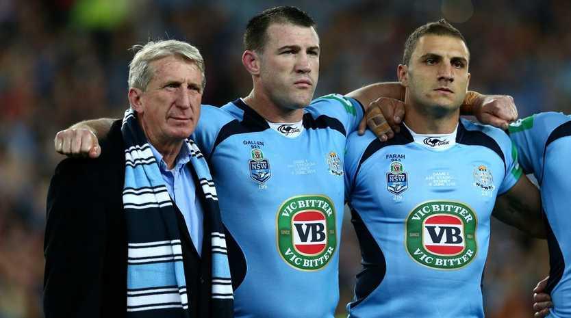 Former Blues player Steve Mortimer standing alongside NSW captain Paul Gallen and Robbie Farah.