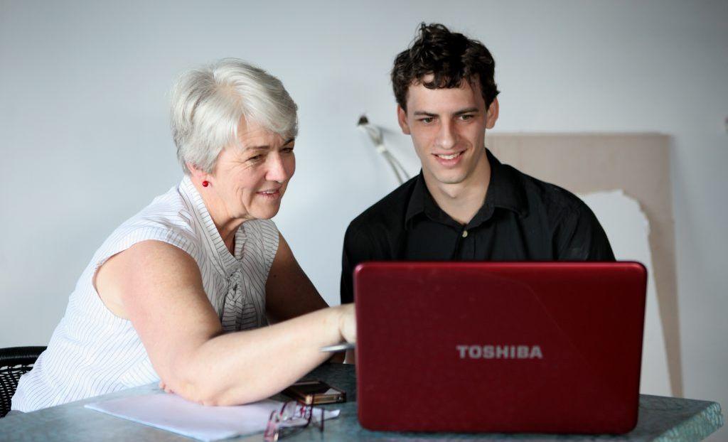 Margaret Strelow and Allan Kemp at the Chatroom. Photo Allan Reinikka / The Morning Bulletin