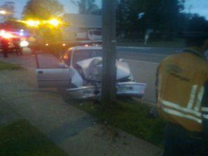 Crash knocks out power in Fernvale