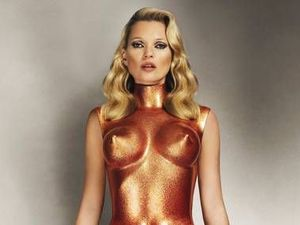 Kate Moss boards flight 'drunk' without ticket