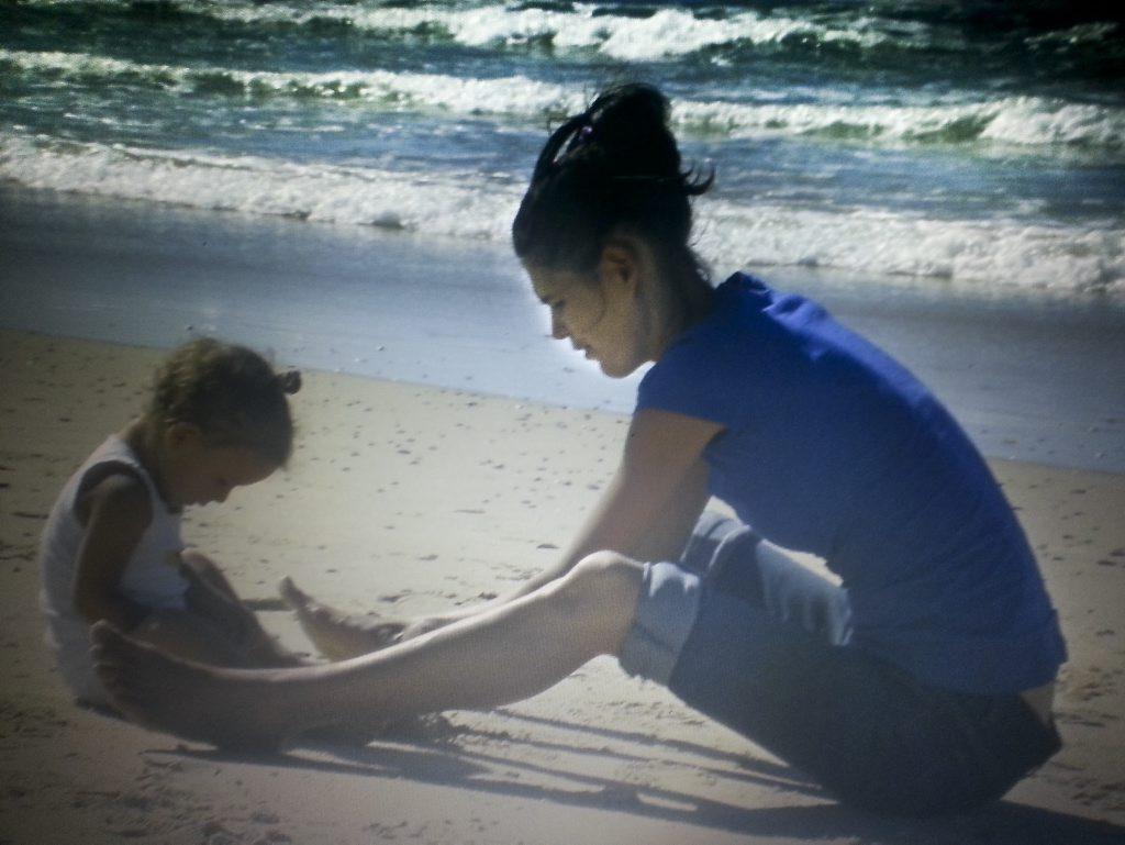 Caroline Widgell with her daughter Lilyarna.