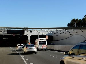 Despite fines truckies try to squeeze through Tugun Tunnel