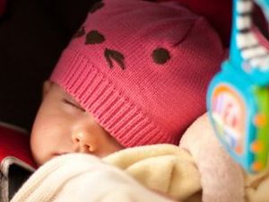 Study highlights dangers of letting baby sleep in car seat