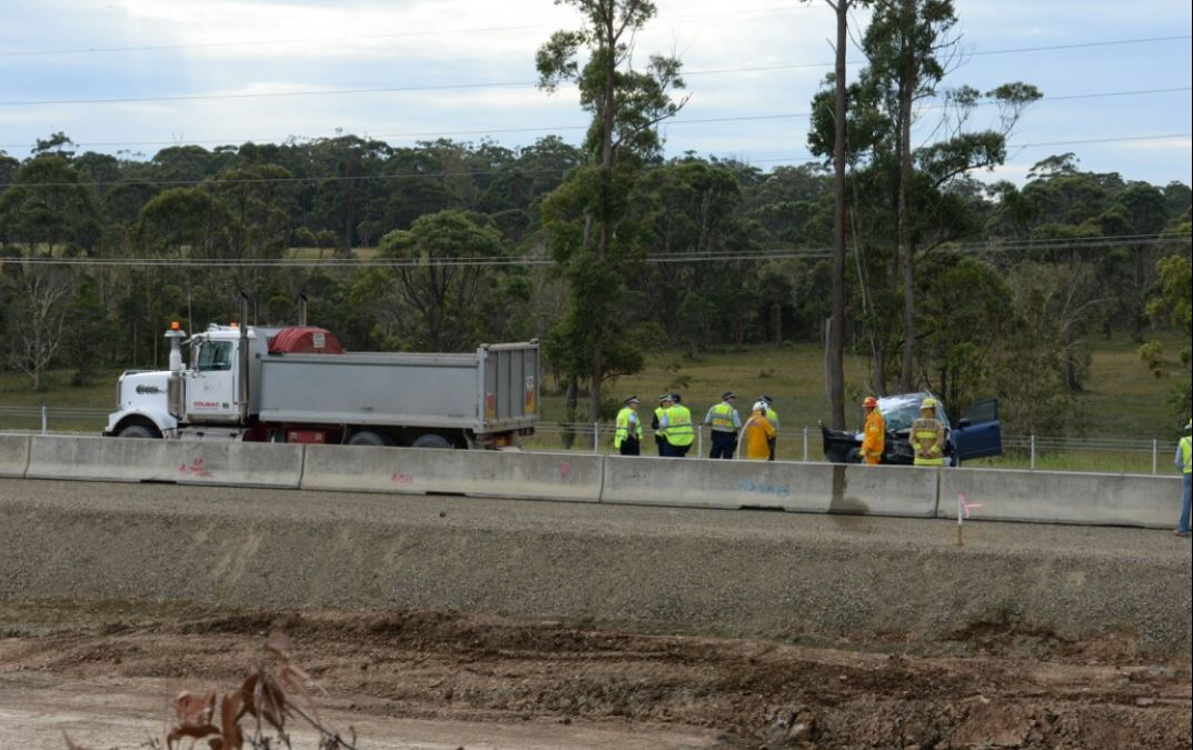 A man in his 40s died in a fatal accident on the Sapphire to Woolgoolga Pacific Hwy worksite near Moonee Beach this morning.