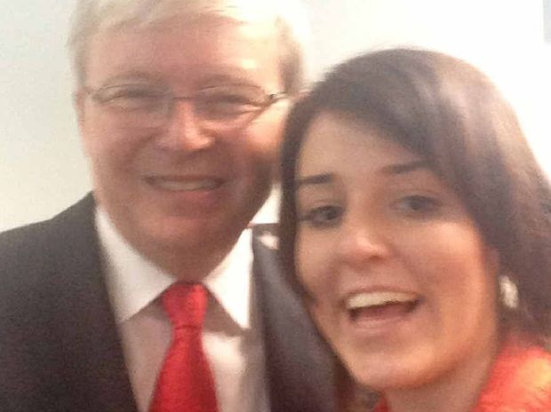 APN reporter Kara Irving takes a selfie with former Prime Minister Kevin Rudd.