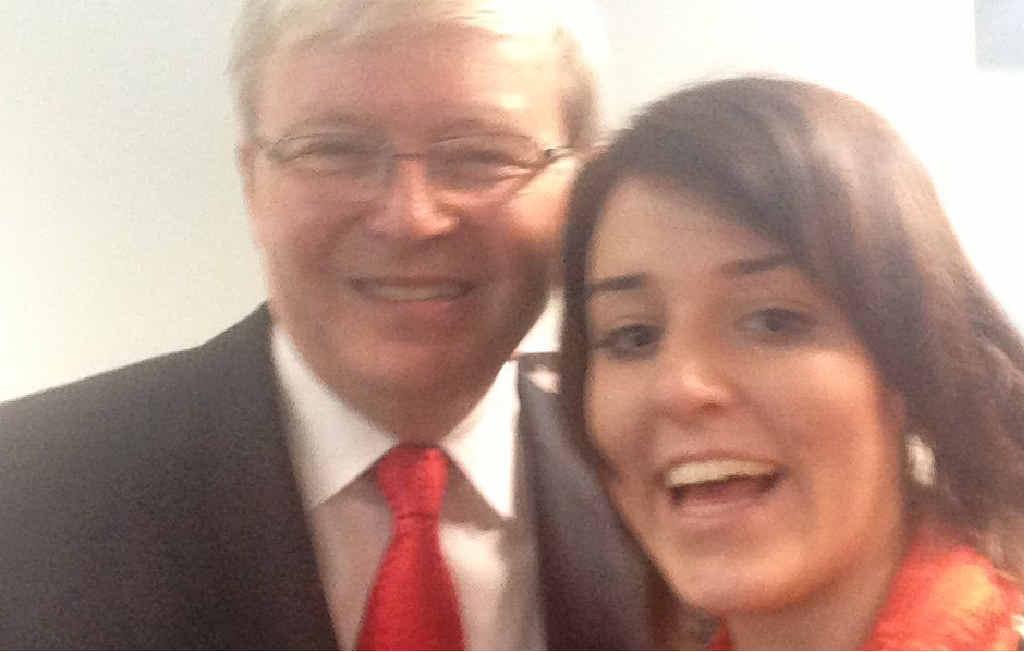 APN reporter Kara Irving takes a selfie with former Prime Minister Kevin Rudd.