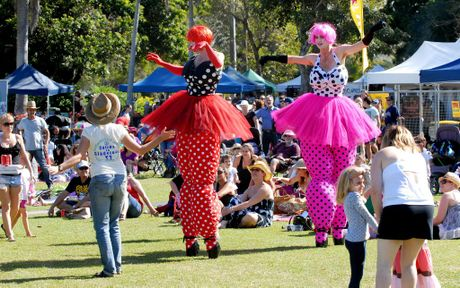 Lacie and Tracief rom Slack Taxi*s Roving Ballerinas enjoyed interacting with the Mackay crowd at the Wine and Food Day Photo Tony Martin / Daily Mercury