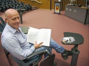 Past student returns to USQ for Business on the Couch