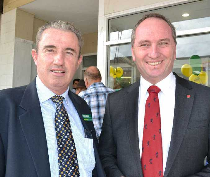 Federal Agriculture Minister Barnaby Joyce (right) and Page MP Kevin Hogan.