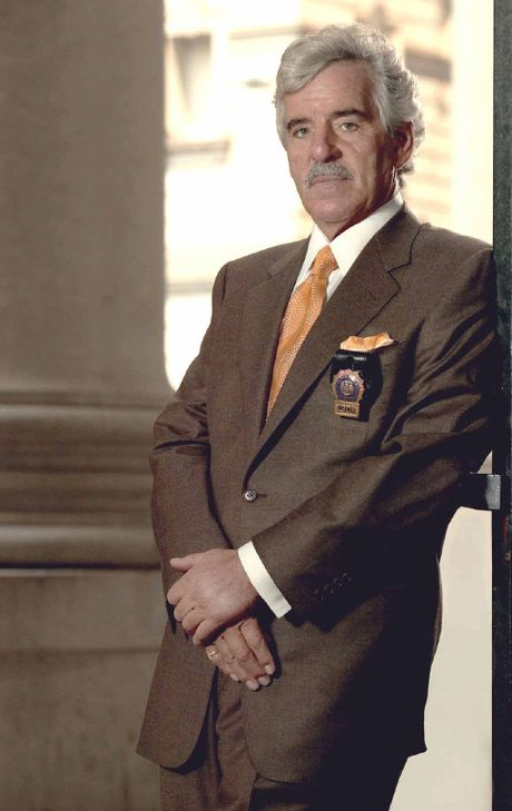 Dennis Farina was in his 40s when he turned from being a policeman to acting.