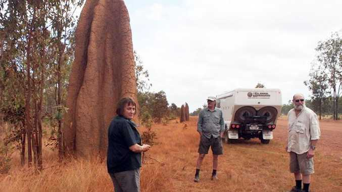 The travellers make a stop for cousin Heather's anthill pics.