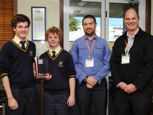 Two students win WorleyParsons Physics Trophy