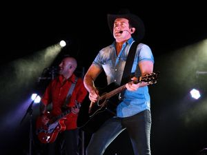 Lee Kernaghan takes home four Golden Guitars in Tamworth
