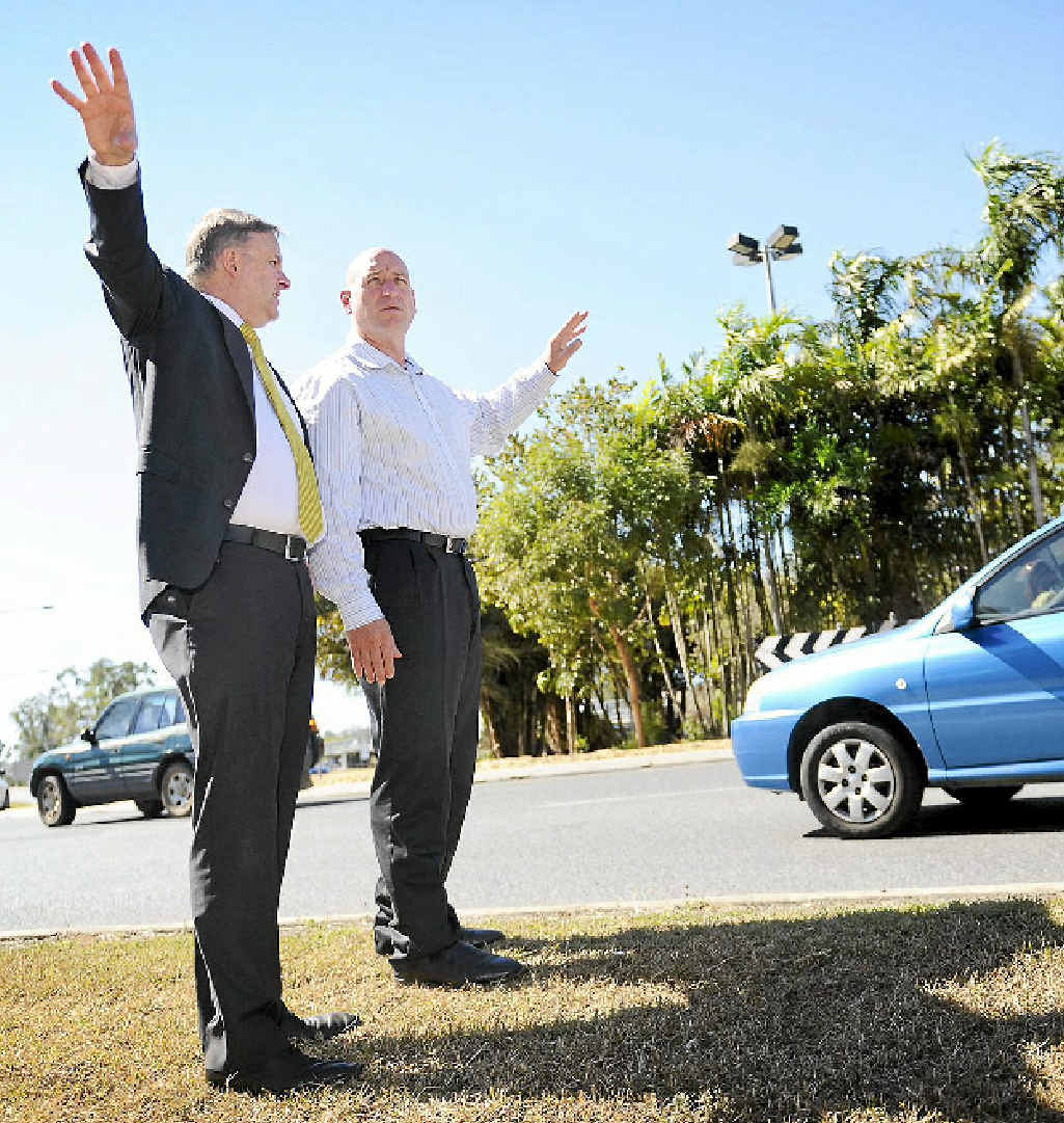 WHICH WAY: Deputy Prime Minister Anthony Albanese and ALP candidate Chris Trevor at the roundabout.