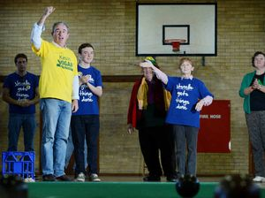 Pollies' sporting gesture