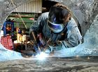 Manufacturing index shows hope despite continued contraction