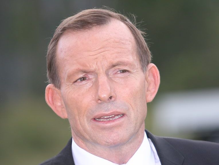 Many people commented on The Bulletin's Facebook post that they had received automated phone calls from Opposition leader Tony Abbott, many at dinner time.