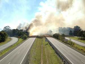 Firefighters contain major blaze in Mountain Creek area