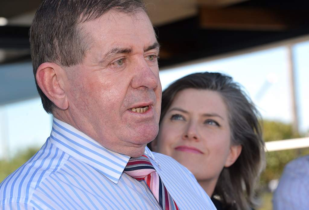 Peter Slipper flanked by his wife Inge during the election campaign.