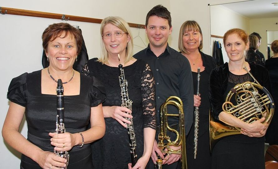 BANGALOW MUSIC FESTIVAL: Hot North Wind l-r Kathleen McLennan, Helen Spurgeon, Josh Booyens, Margaret Stewart and Meghan Thamm. Photo Christian Morrow / Byron Shire News
