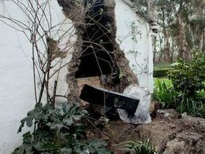 NZ quake victim screams for infant son as walls crumble