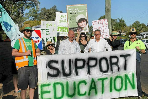 GIVING A GONSKI: Member for Lilley Wayne Swan and Labor candidate for Flynn Chris Trevor leading the rally.