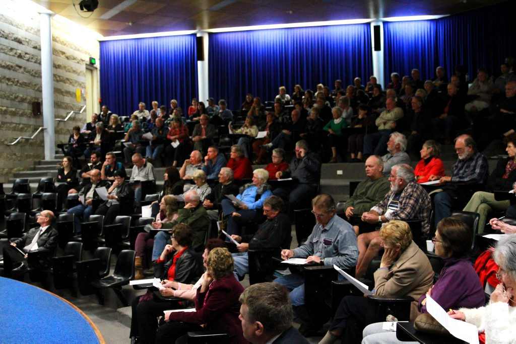 FLOOD MEETING: A large crowd turned up the flood forum held in the auditorium at the Bundaberg Wide Bay TAFE. Photo: Zach Hogg / NewsMail